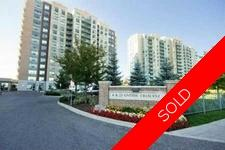 Richmond Hill Condo for sale:  1 bedroom 600 sq.ft. (Listed 2015-12-08)